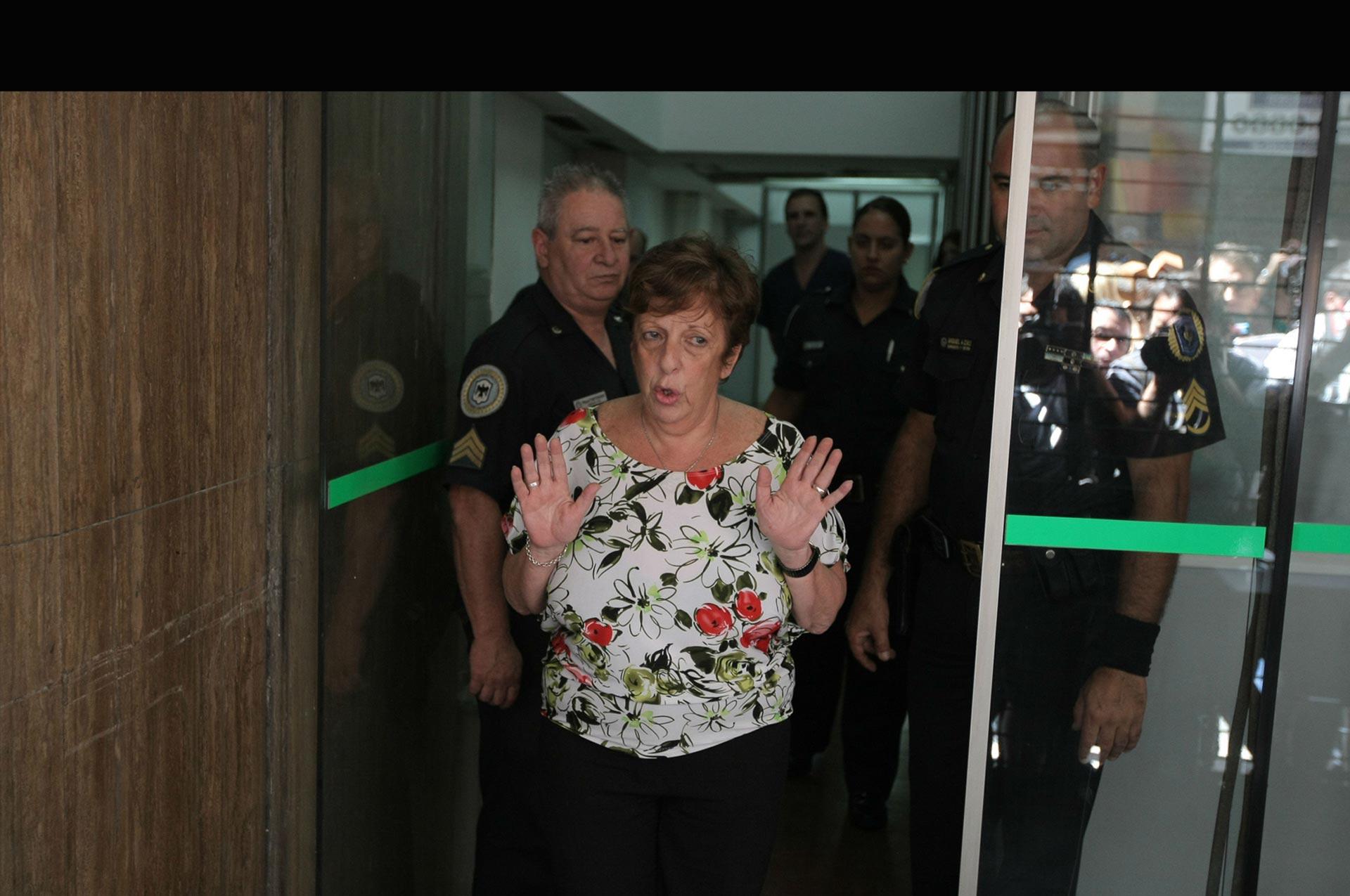 La jueza a cargo de la investigación del muerte del fiscal argentino, decidió sacar a la fiscal Viviana Fein y asumir el caso