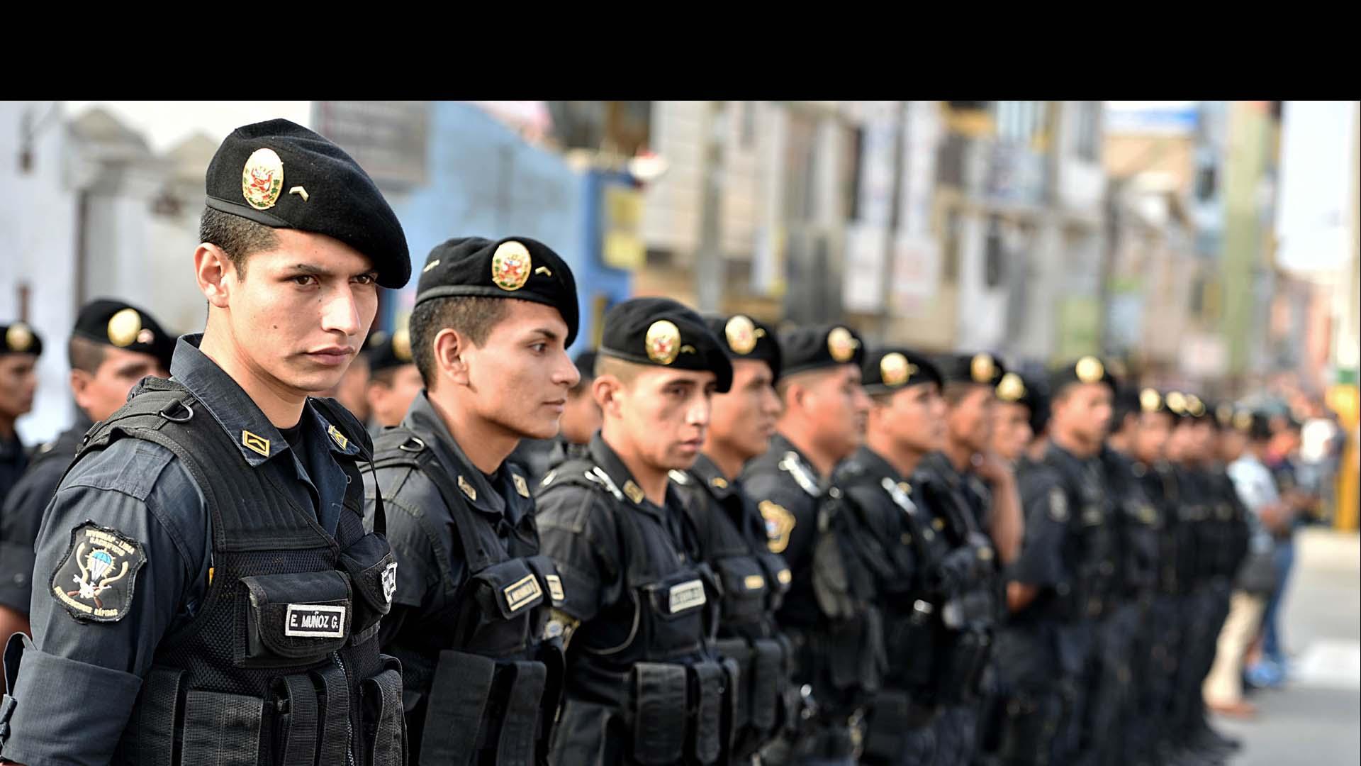 Estado de emergencia deja 40 detenidos en Perú