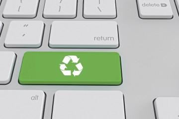 Enviar correos o mensajes de texto innecesarios, e incluso buscar en Google, también hace daño al planeta