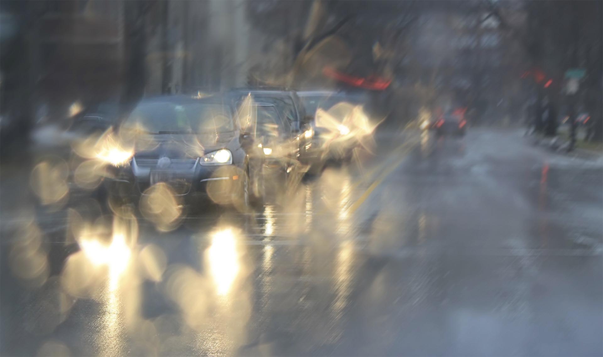 Fuertes vientos derrumbaron torres de alta tensión en las cercanías de Montevideo, pero no se reportaron víctimas fatales