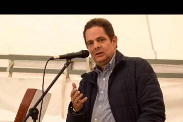 A fin de preservar su salud y evitar males futuros, los médicos instaron al vicepresidente colombiano a reducir su ritmo de trabajo