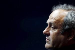 Blatter y Platini anunciaron su intención de apelar la prohibición de participar en actividades futbolísticas
