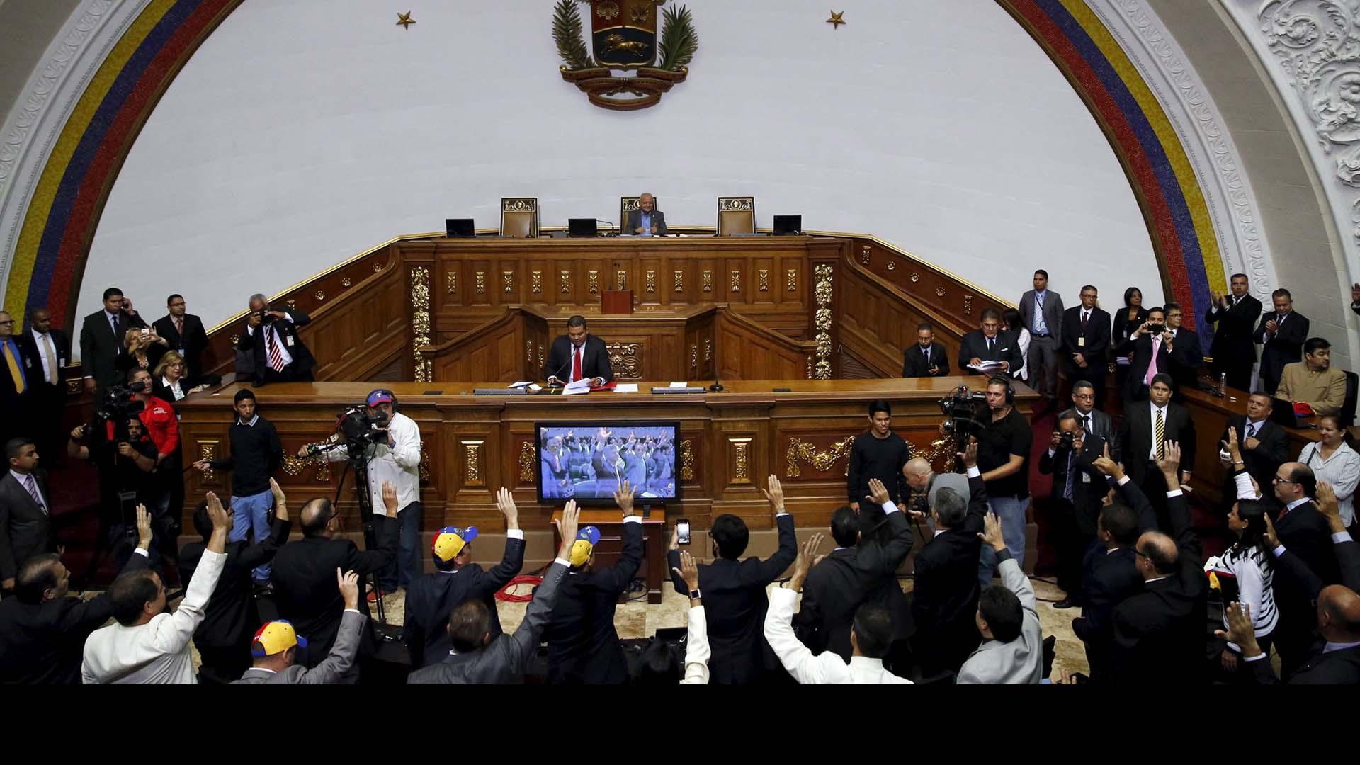 163 diputados se juramentaron, en tanto los cuatro impugnados esperan por la decisión del TSJ