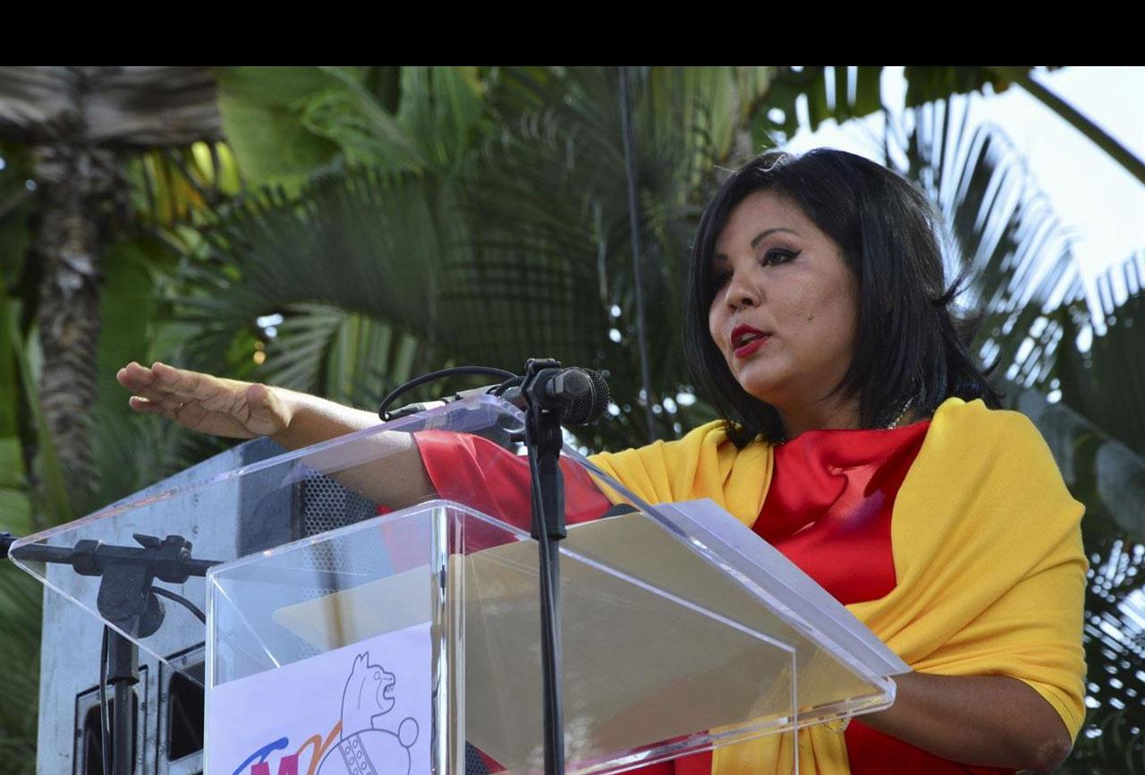 Tras un día como presidenta municipal de Temixco, México, fue atacada en su casa por unos sicarios