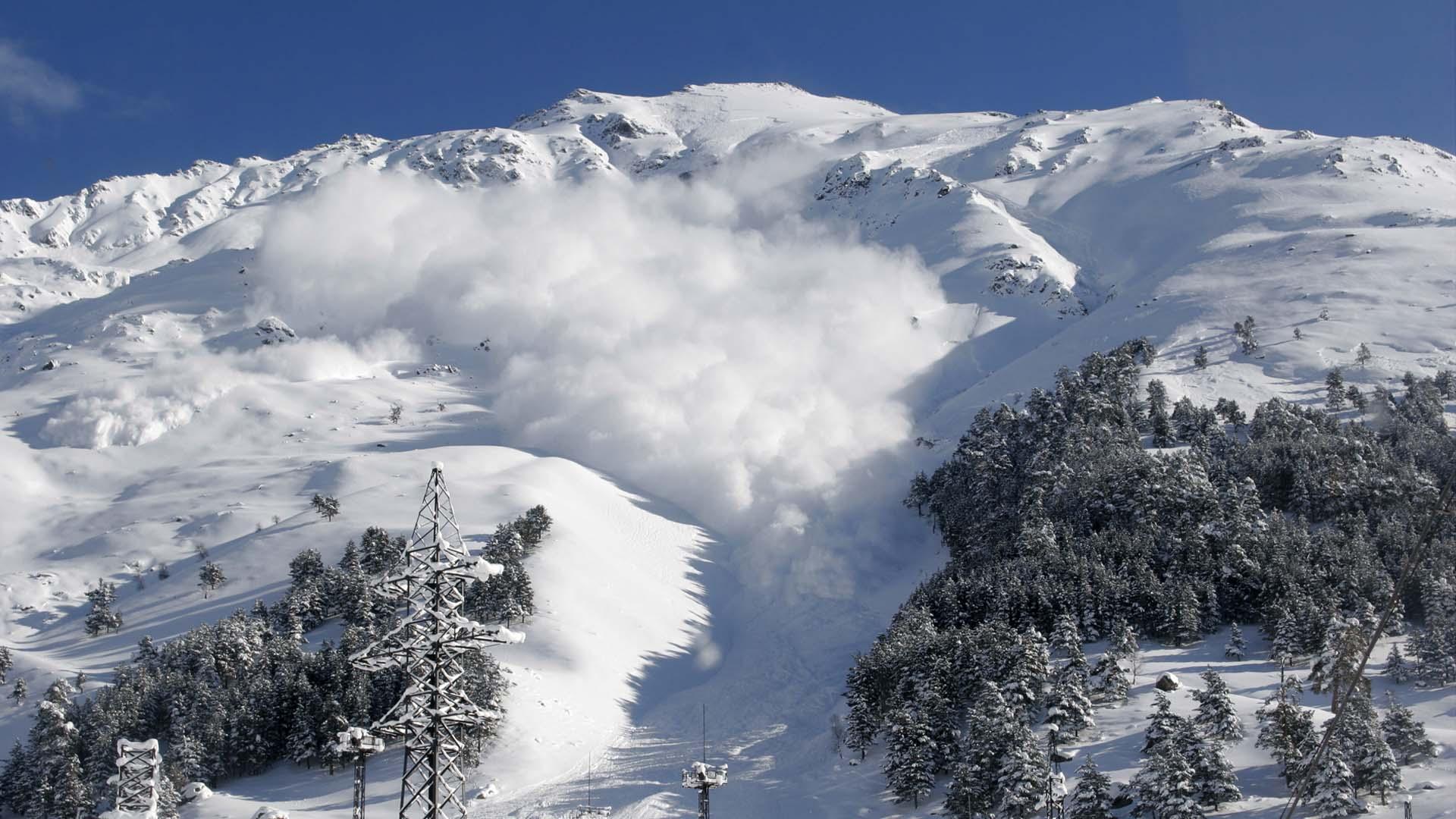 50 miembros del ejército de Francia entrenaban en los Alpes cuando la avalancha los sorprendió