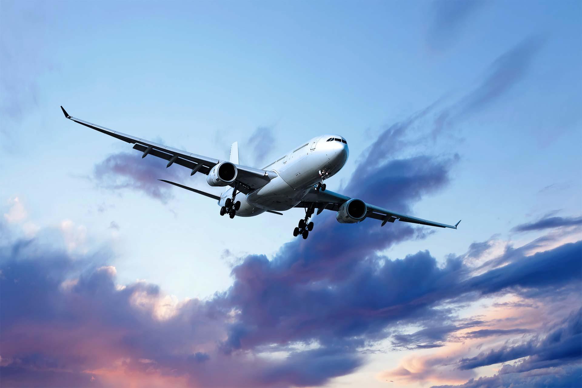 Las cabinas de los aviones, actualmente, tienen cerrojos que permiten a los pilotos aislarse del todo del resto del aparato