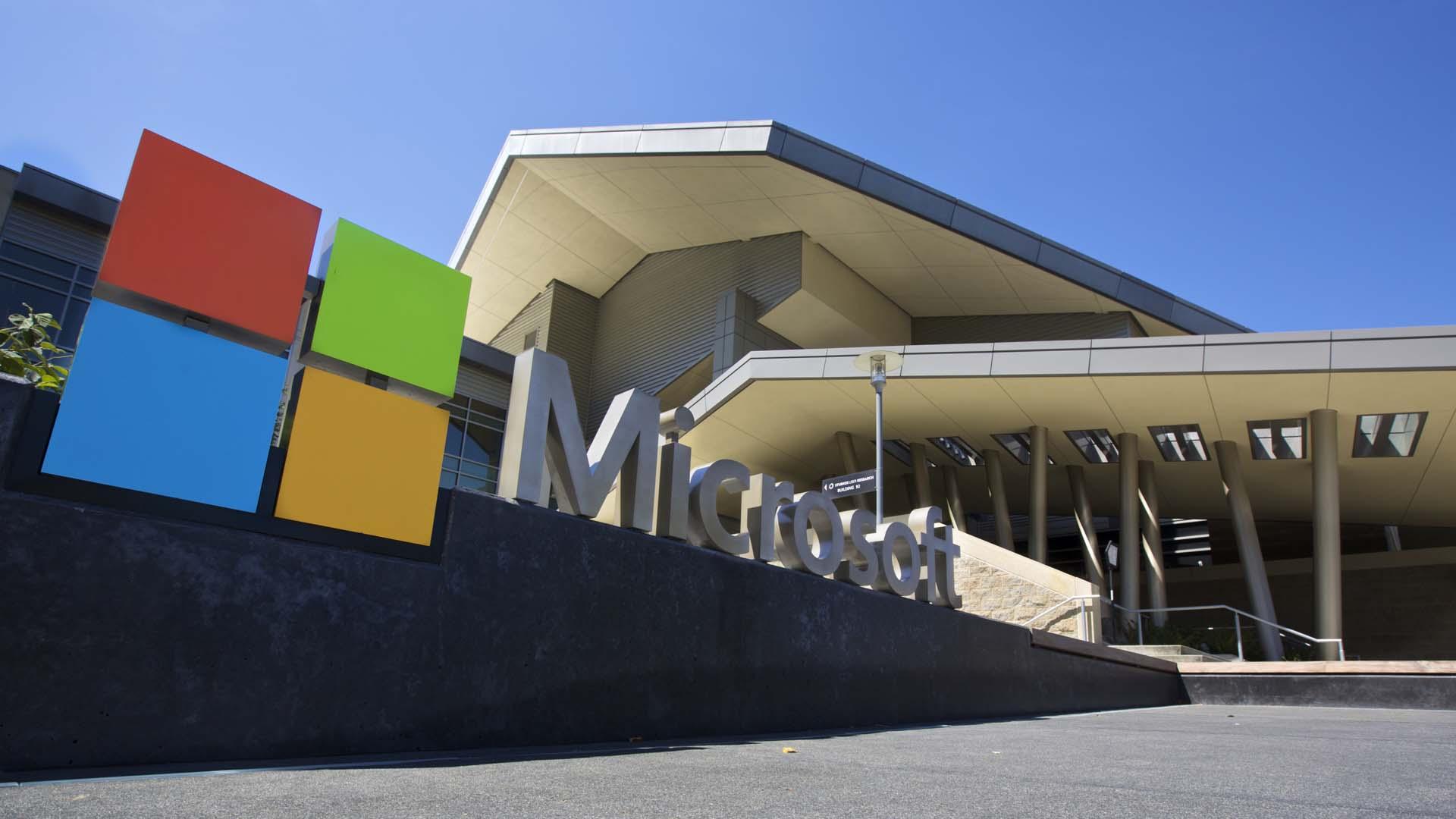 Microsoft emitirá notificaciones a sus usuarios cuando estos en medio de un ataque informático proveniente de altos cargos