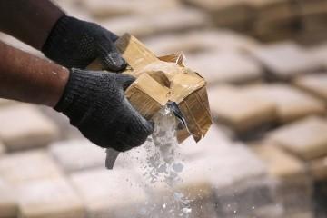 Las capsulas de drogas habrían explotado en el organismo de ambas personas que viajaron a Lima