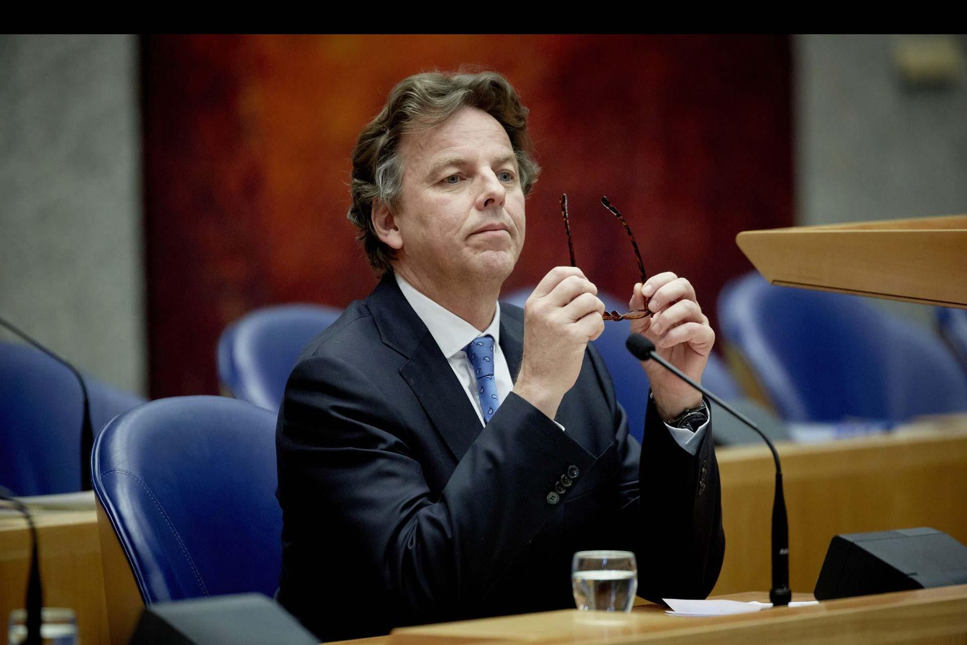 Tal como viene haciendo en Irak, luchará contra el Estado Islámico, aseguró el ministro de Exteriores, Bert Koenders