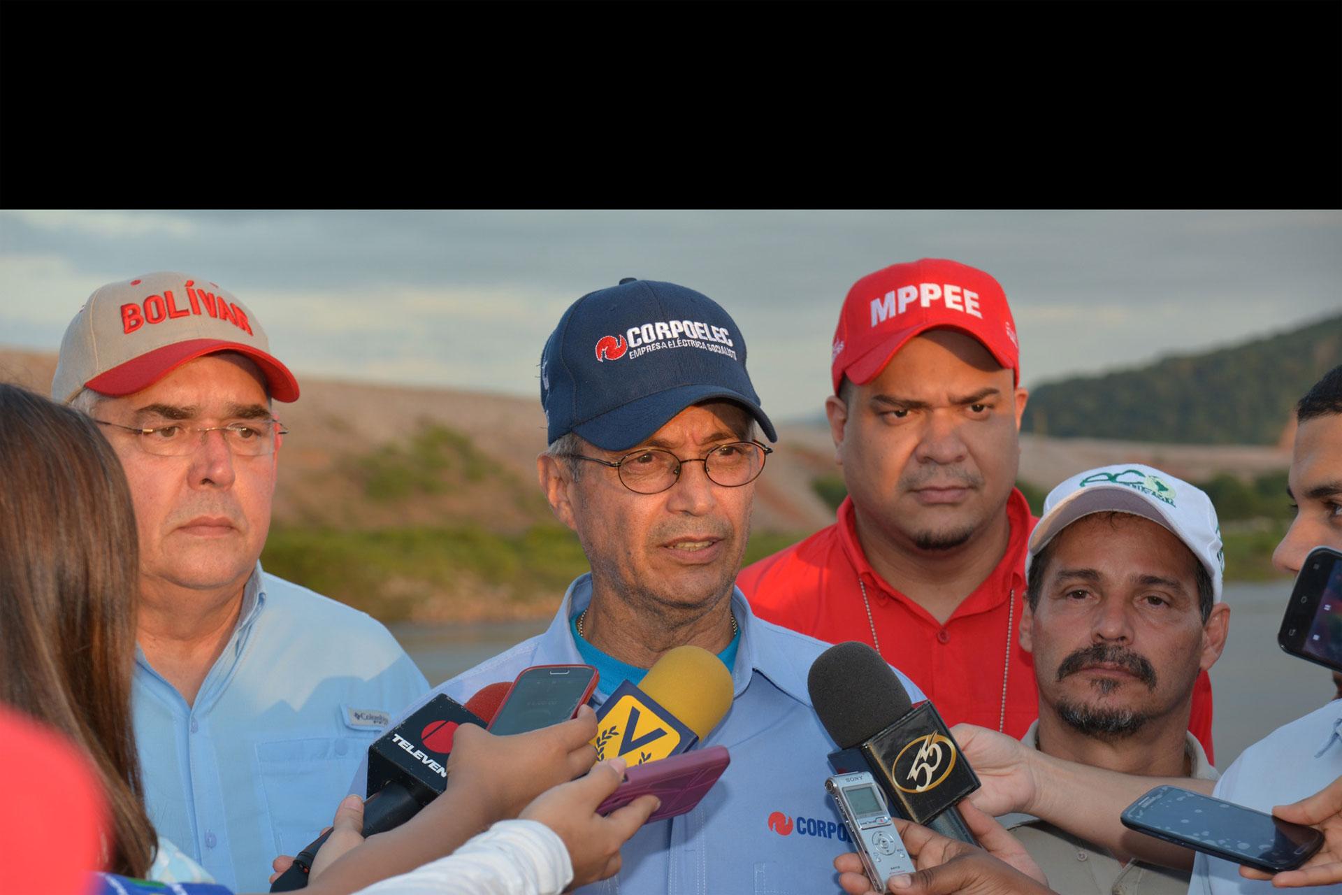 El Ministro Motta Domínguez indicó que Yaracuy, Portuguesa y Barinas sufrieron una interrupción del servicio