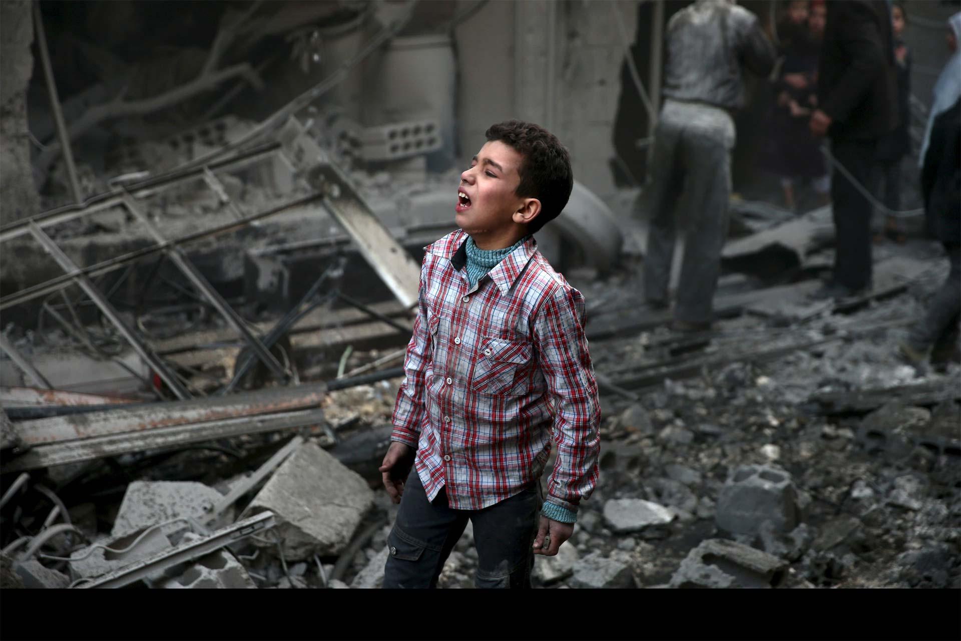 En Siria, dos recintos escolares sufrieron ataques. En uno de ellos, se sospecha de Rusia como posible autor