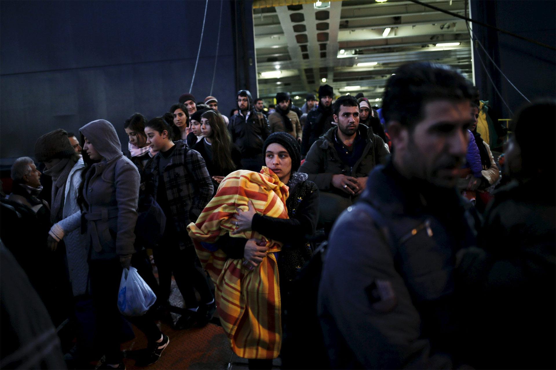 Ministros de la eurozona quieren implantar controles provisionales hasta dos años, debido al alto tráfico de refugiados