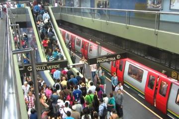 """Según cifras extraoficiales de la Asociación Civil """"Famila Metro"""" en el sistema de transporte se cometen aproximadamente 92 delitos diariamente"""