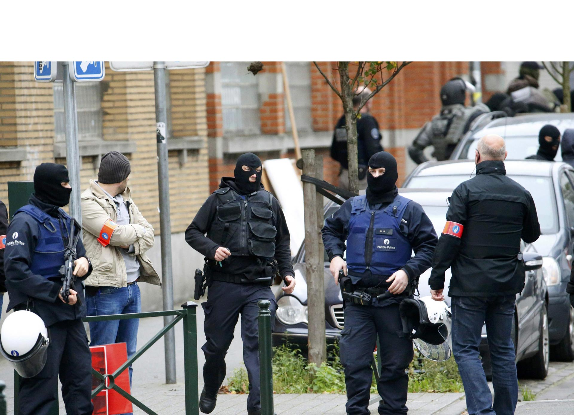 """""""Los soldados de Odín"""" patrullan las calles de Oslo para amedrentar y herir a inmigrantes"""