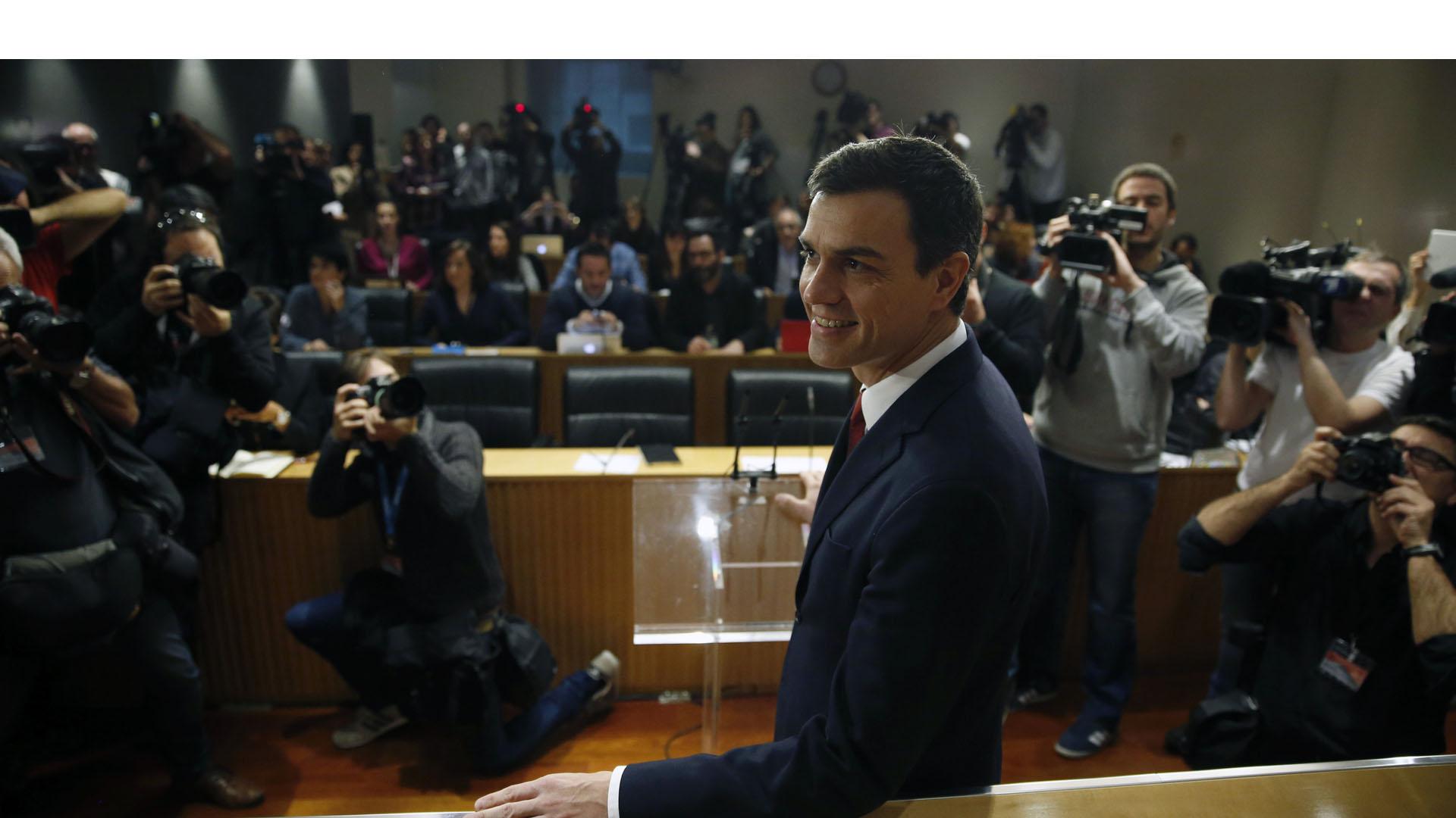 El socialista aseguró que es momento de pensar en el interés de los españoles