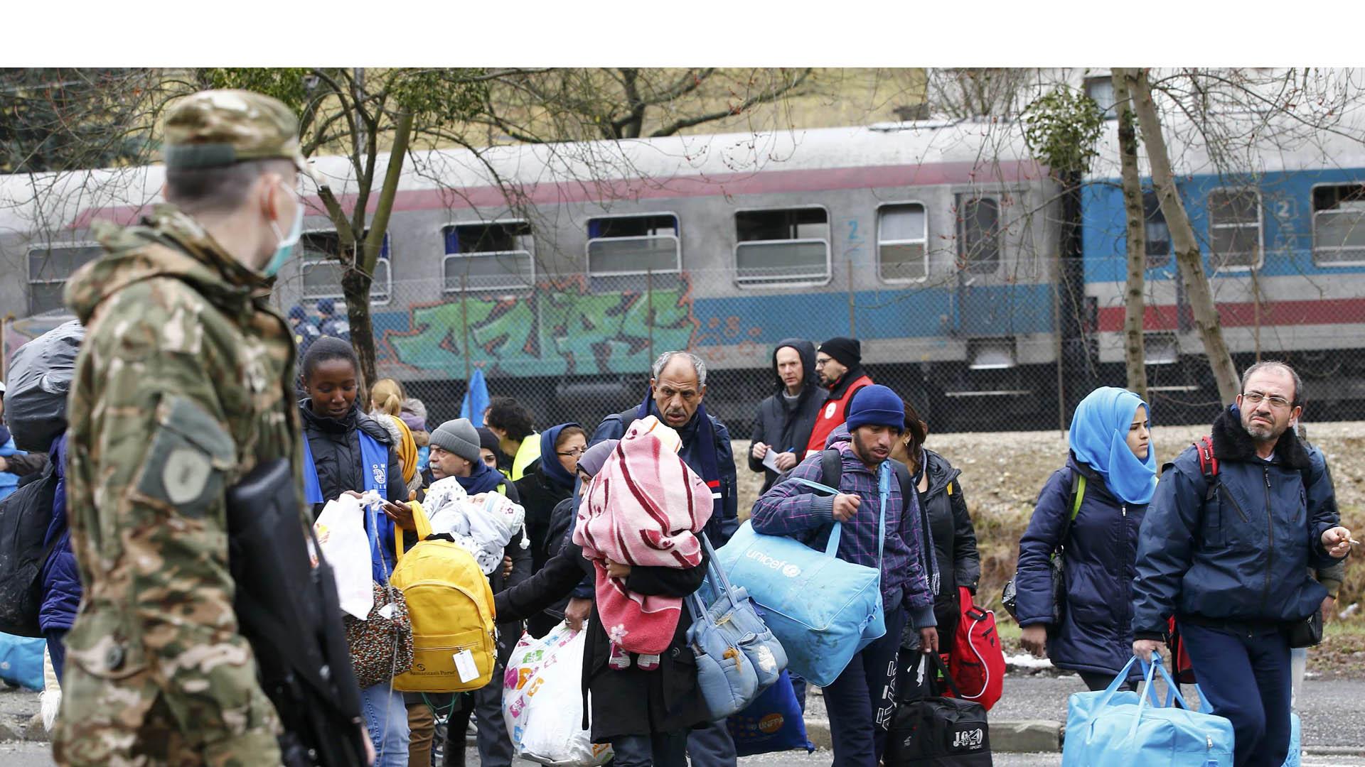 Ambos países solo permitirán el tránsito de 580 refugiados por día