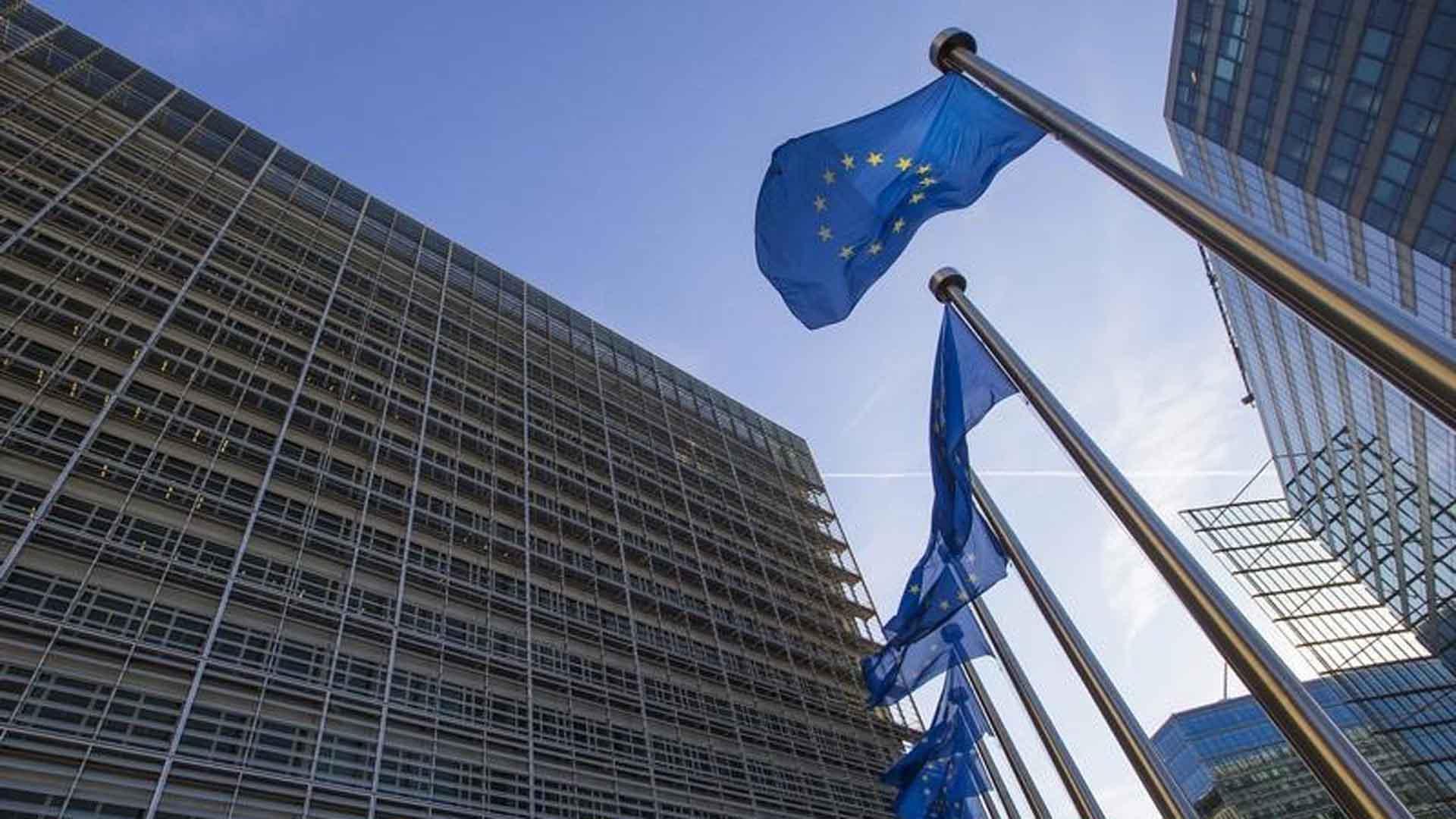 La Comisón Europea advirtió sobre el no cumplimiento de normas fijadas por el bloque para el tratamiento de refugiados