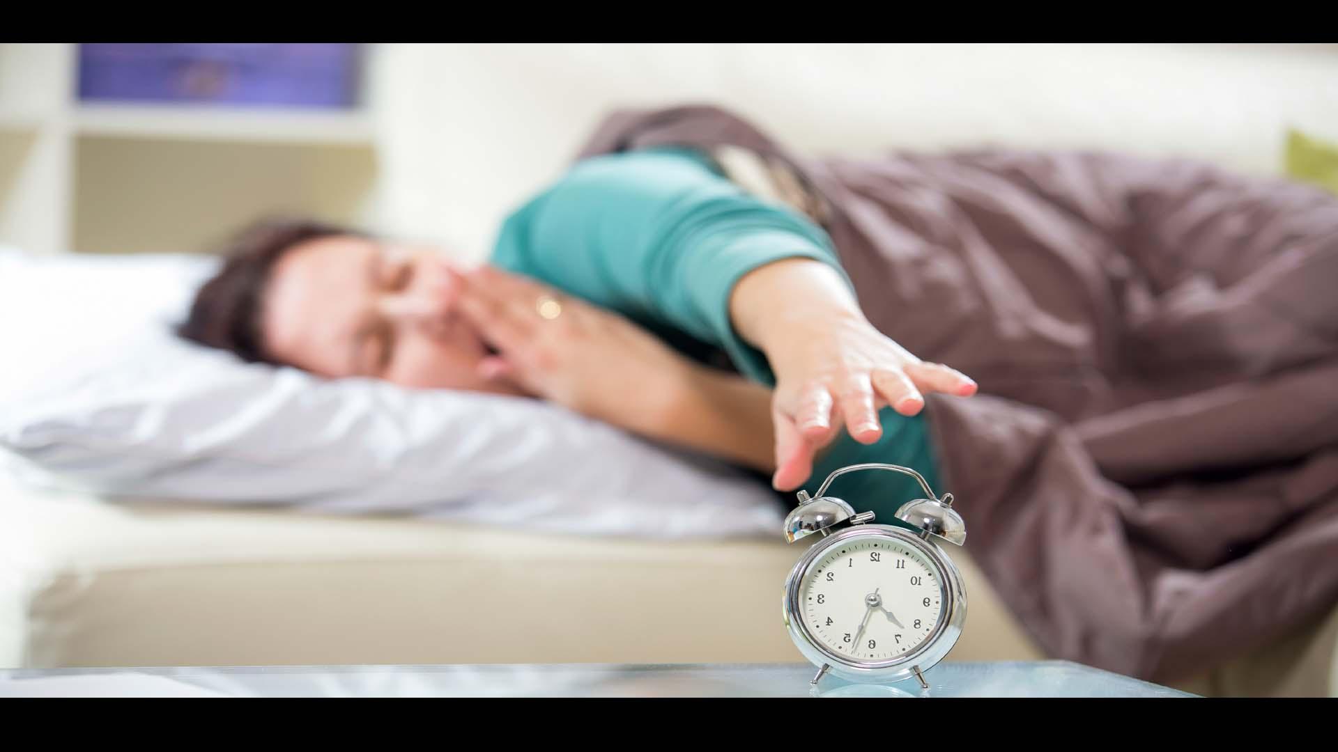Dormir más los fines de semana podría desatar diabetes, obesidad y enfermedades cardiovasculares