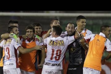 Huracanes se midió este martes ante el Caracas Fútbol Club en las eliminatorias de la Copa Libertadores