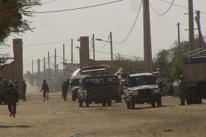 El ataque con misiles fue supuestamente ejecutado por islamitas. 30 personas permanecen heridas