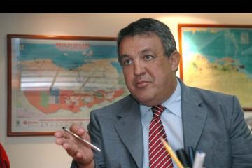 El ministro venezolano se reunió con su par de Arabia Saudita para pedirle que disminuya su producción