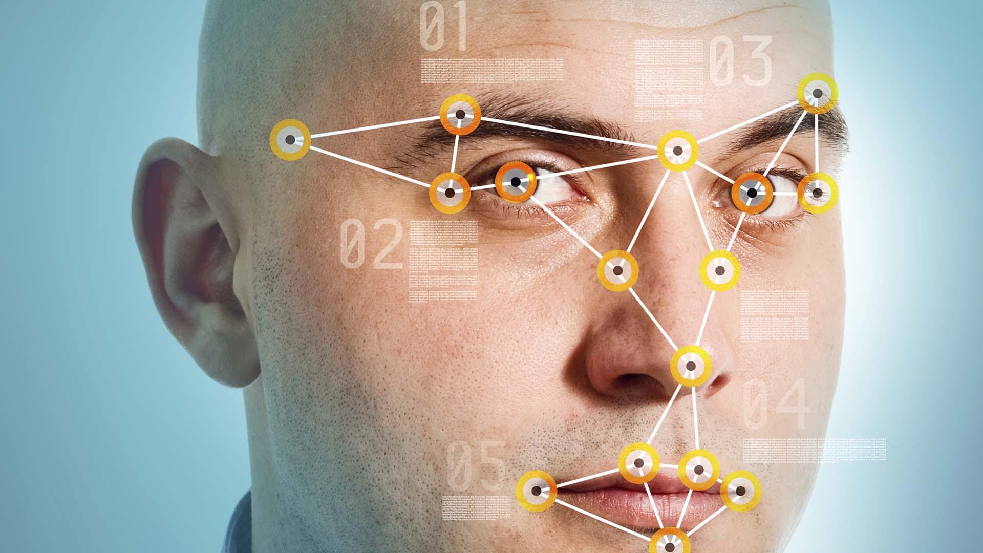 Los puntos de control de seguridad implantarán la nueva tecnología para todos suspasajeros, residentes y turistas
