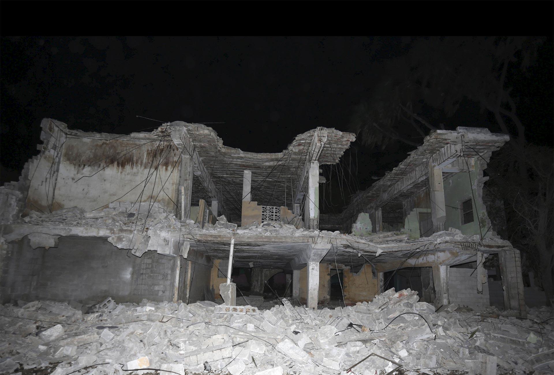 El grupo islamista Al Shabaab se atribuyó el ataque en Mogadiscio