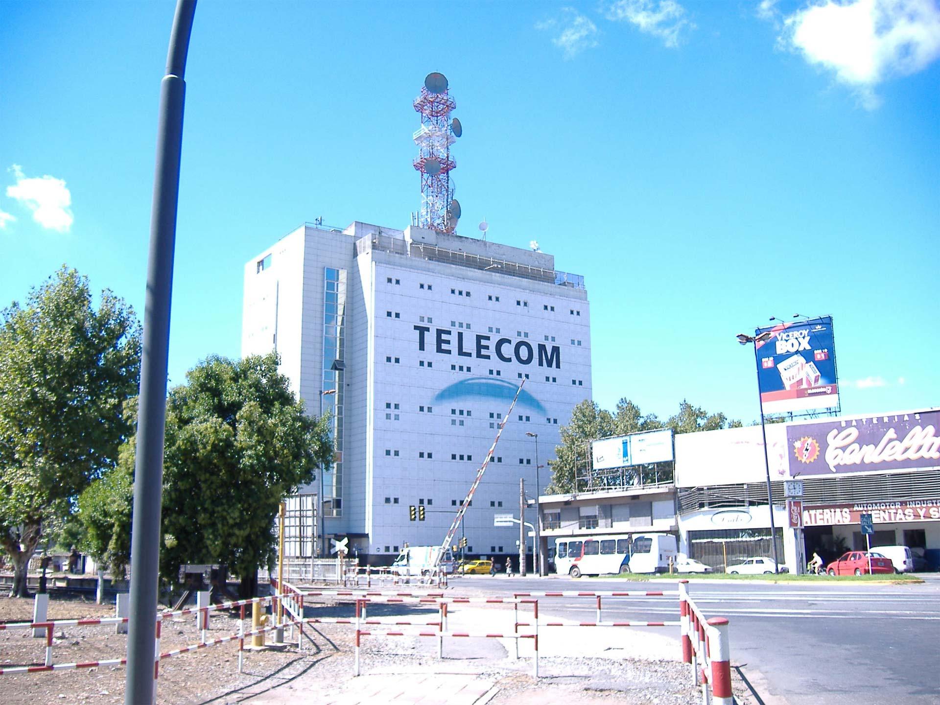 La compañía de telefonía argentina anunció que el fondo Fintech quiere comprar la mayoría accionaria