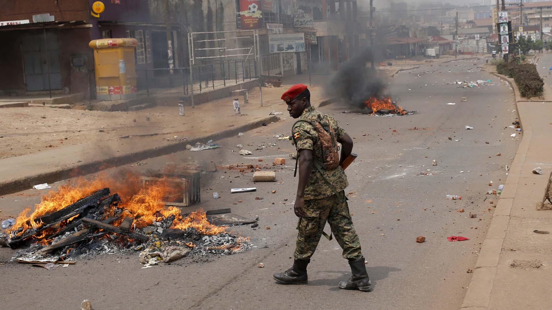 Durante las elecciones de Uganda el Gobierno bloqueó Redes Sociales y movimientos bancarios