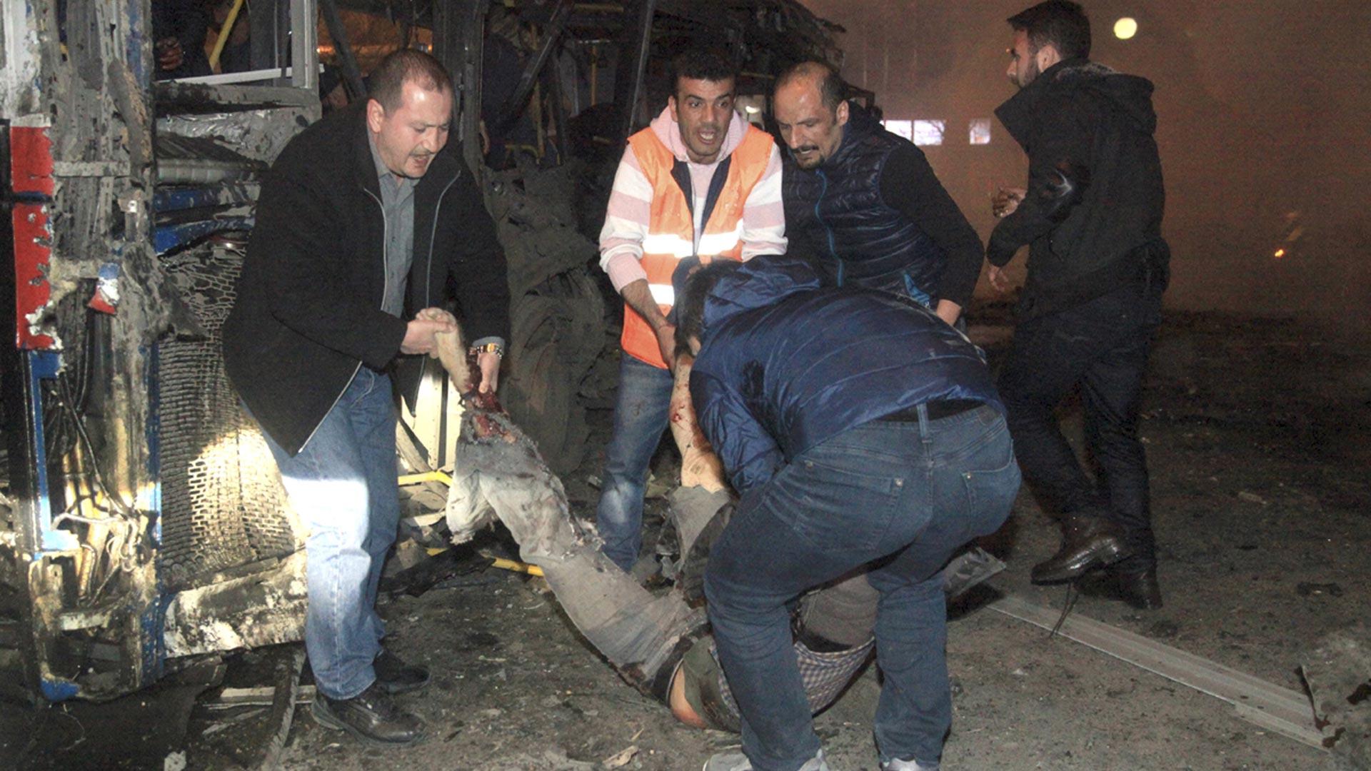 Atacaron 18 de susposiciones en el norte del vecino Irak