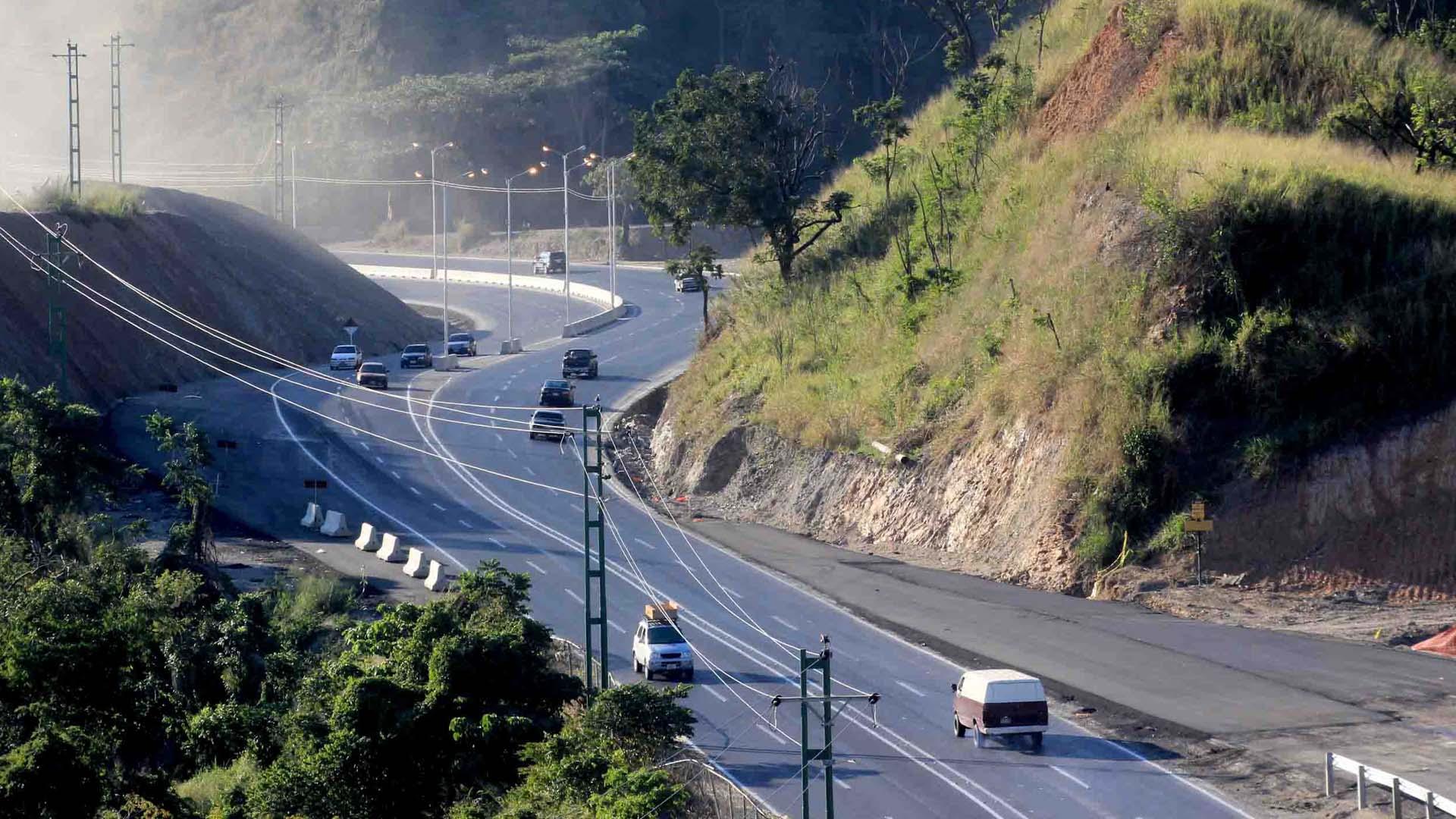 Autoridades informaron que efectivos de la PNB y del INTT brindarán mayor resguardo a los conductores que transiten por el canal de contra-flujo