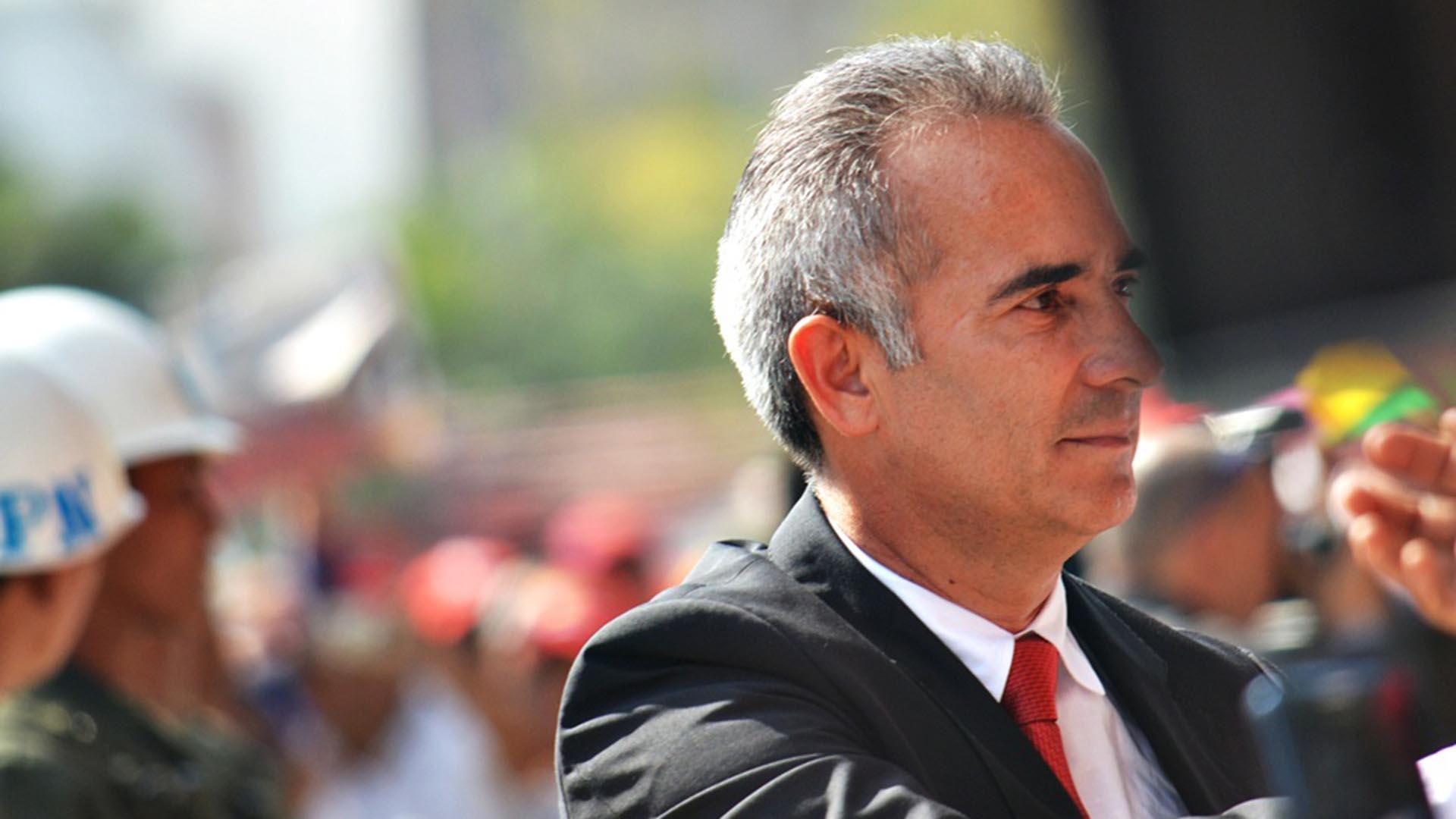 El exdiputado exigió ejercer toda la fuerza y autoridad del Estado contra las bandas criminales que operan en el País