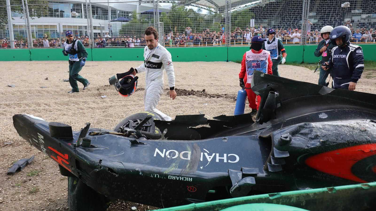 El doble campeón del mundo chocó en Australia tras perder el control a más de 300 km/h