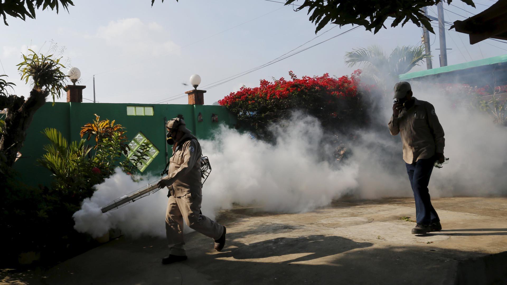 La medida busca reducir los criaderos de mosquitos y proteger principalmente a las mujeres embarazadas