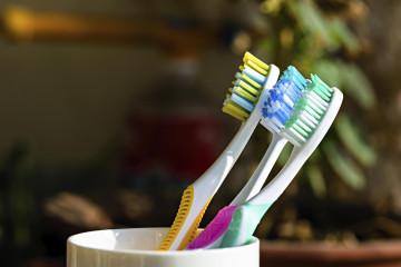 Según investigaciones hechas en Reino Unido tener una buena higiene dental reduce 70% el riesgo de sufrir enfermedades del corazón