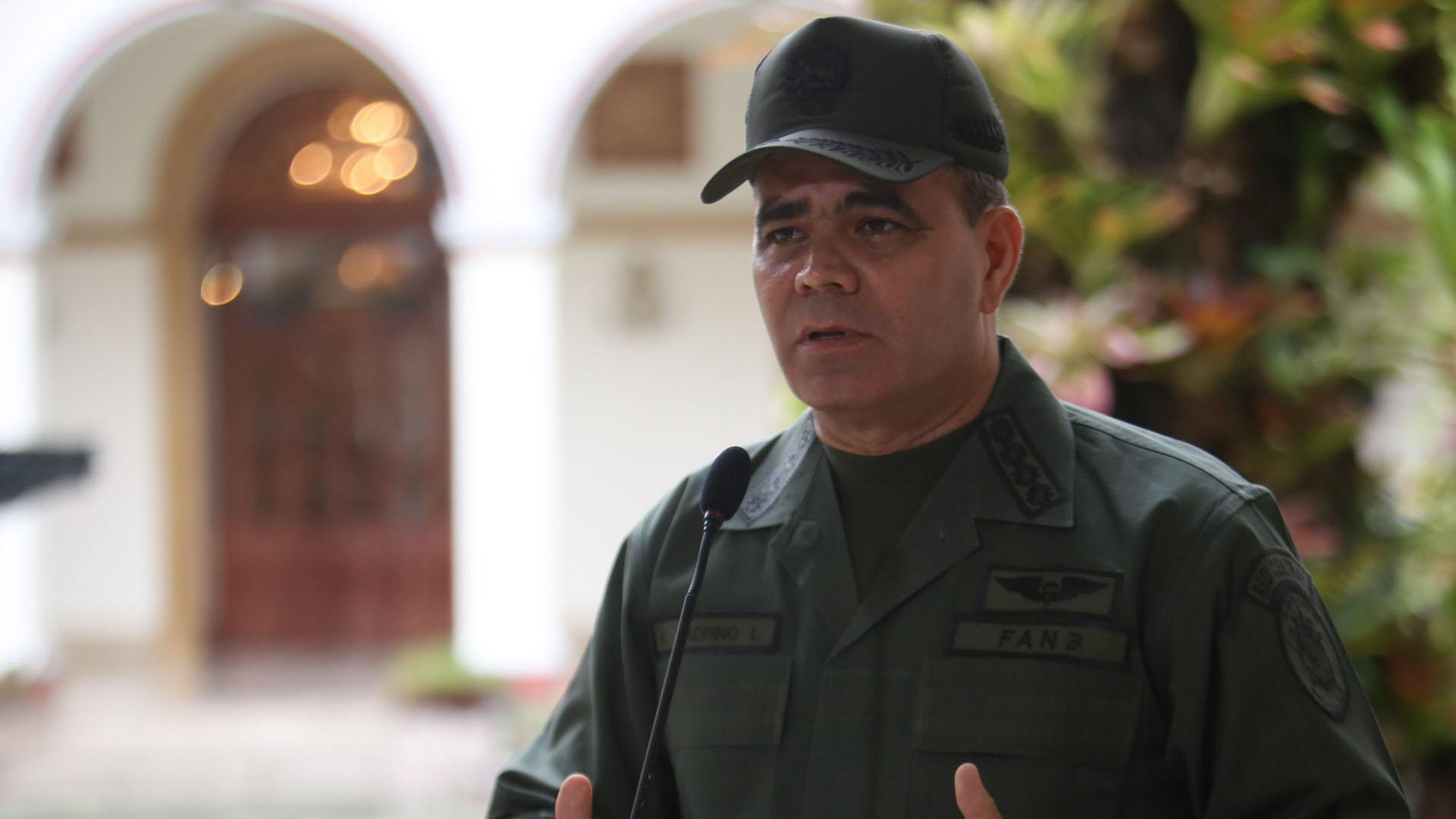 El ministro de la defensa informó que estarán desplegados en todo el territorio nacional durante el asueto de la Semana Mayor