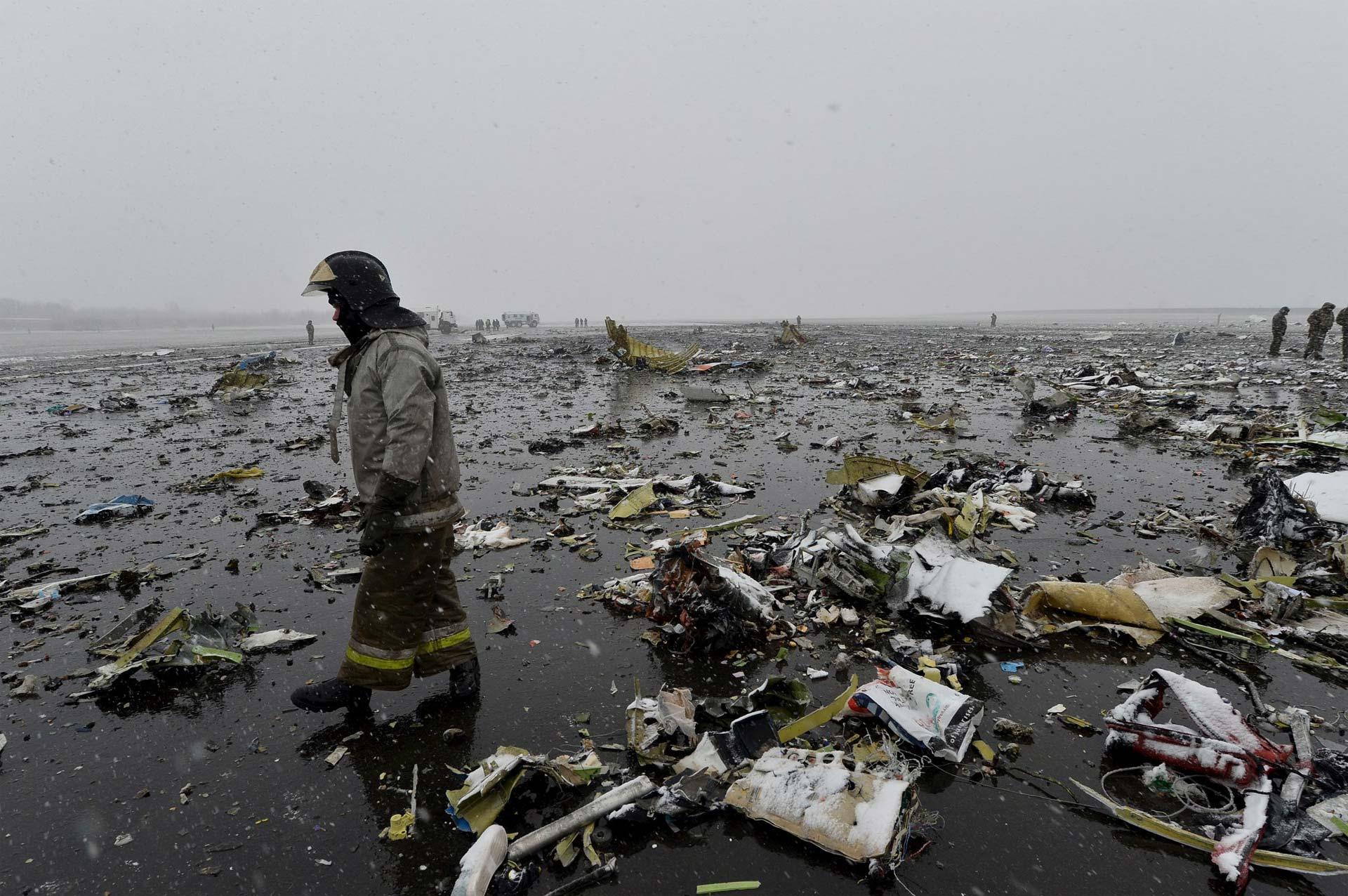 Murieron las 62 personas que viajaban a bordo. Las condiciones meteorológicas podrían haber causado el accidente