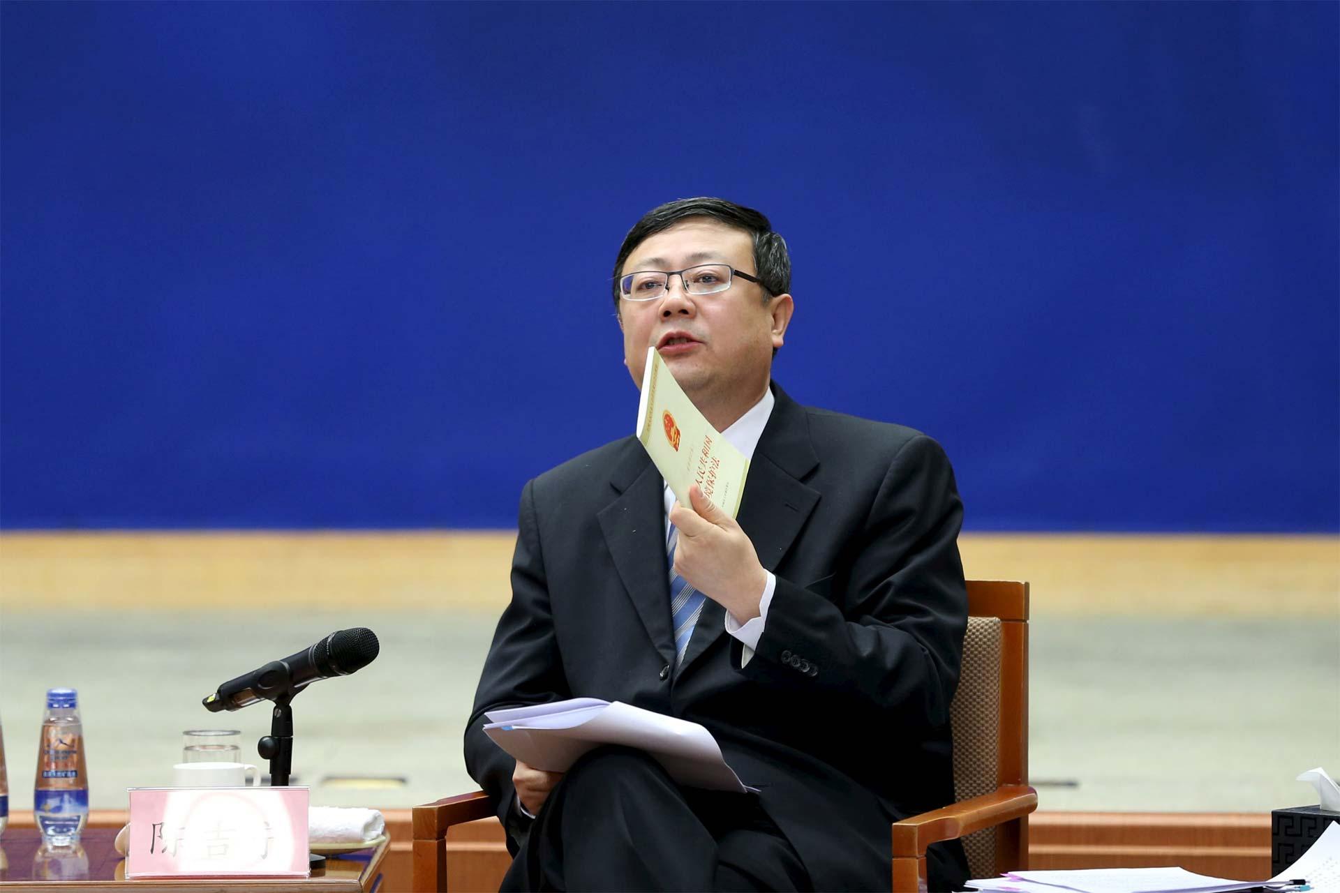 El ministros de Medio Ambiente aseguró que el país asiático está comprometido en bajar lo niveles de polución