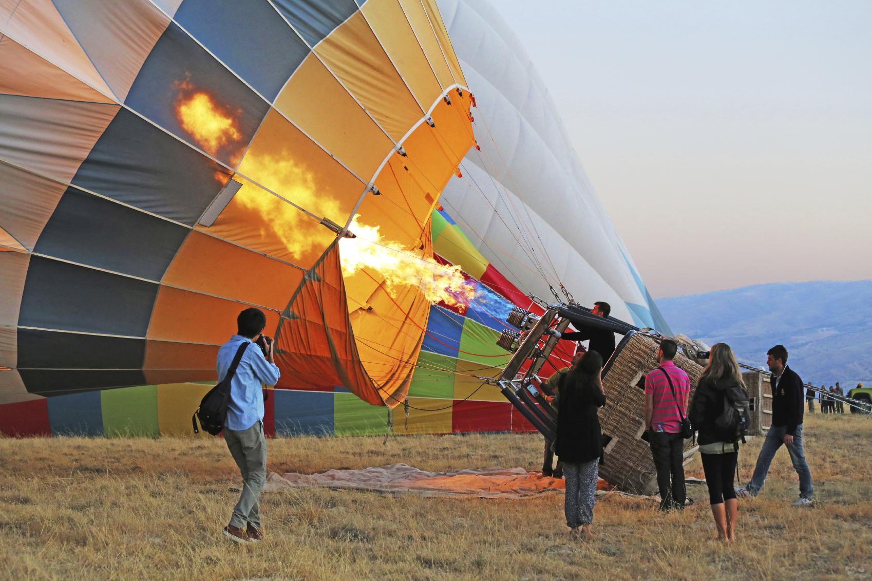 Protección Civil aseguró que el globo comenzó a perder altura hasta estrellarse