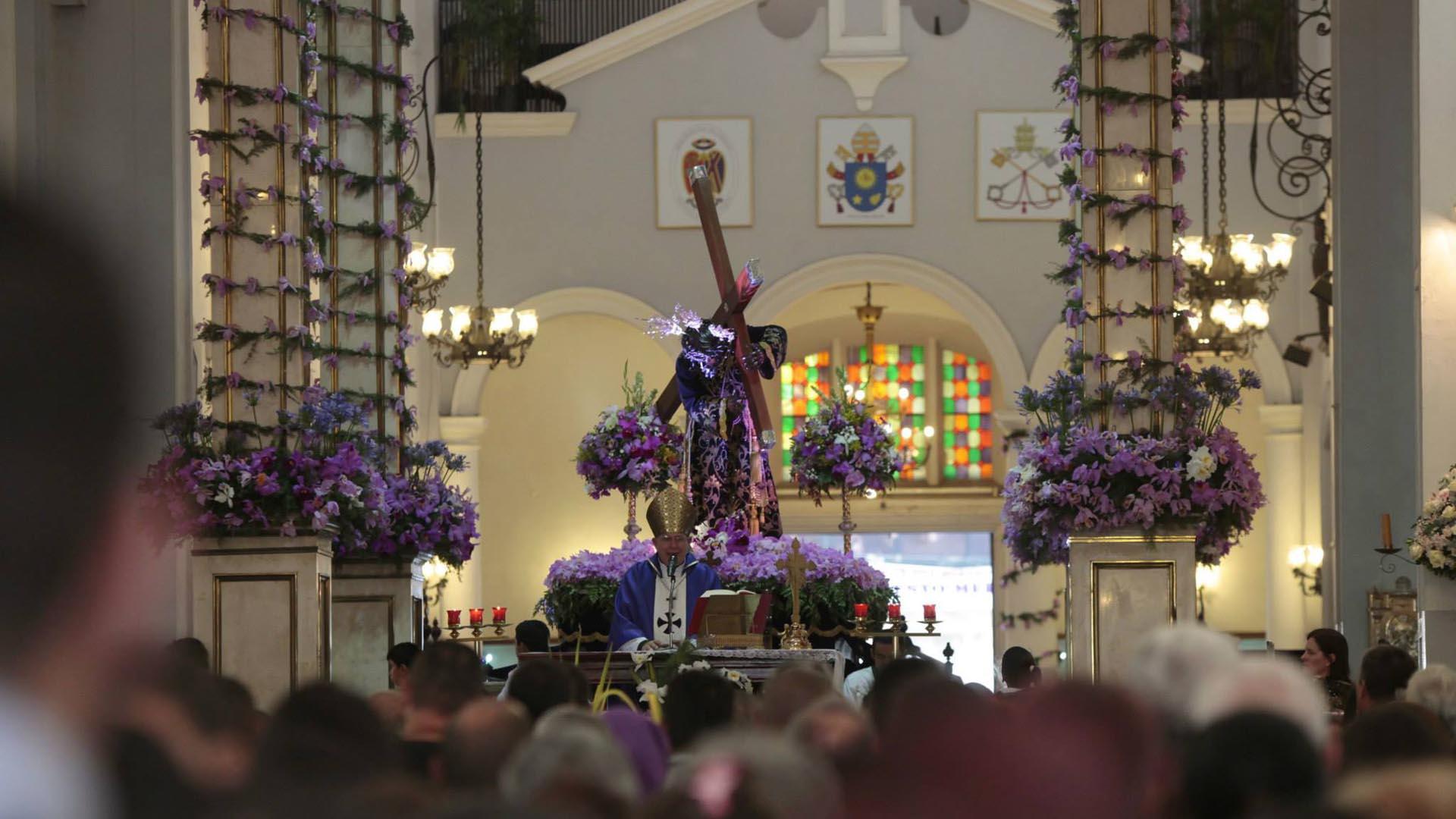 Los feligreses deben tomar precaución para no sufrir ningún percance durante las procesiones de este miércoles y viernes santo