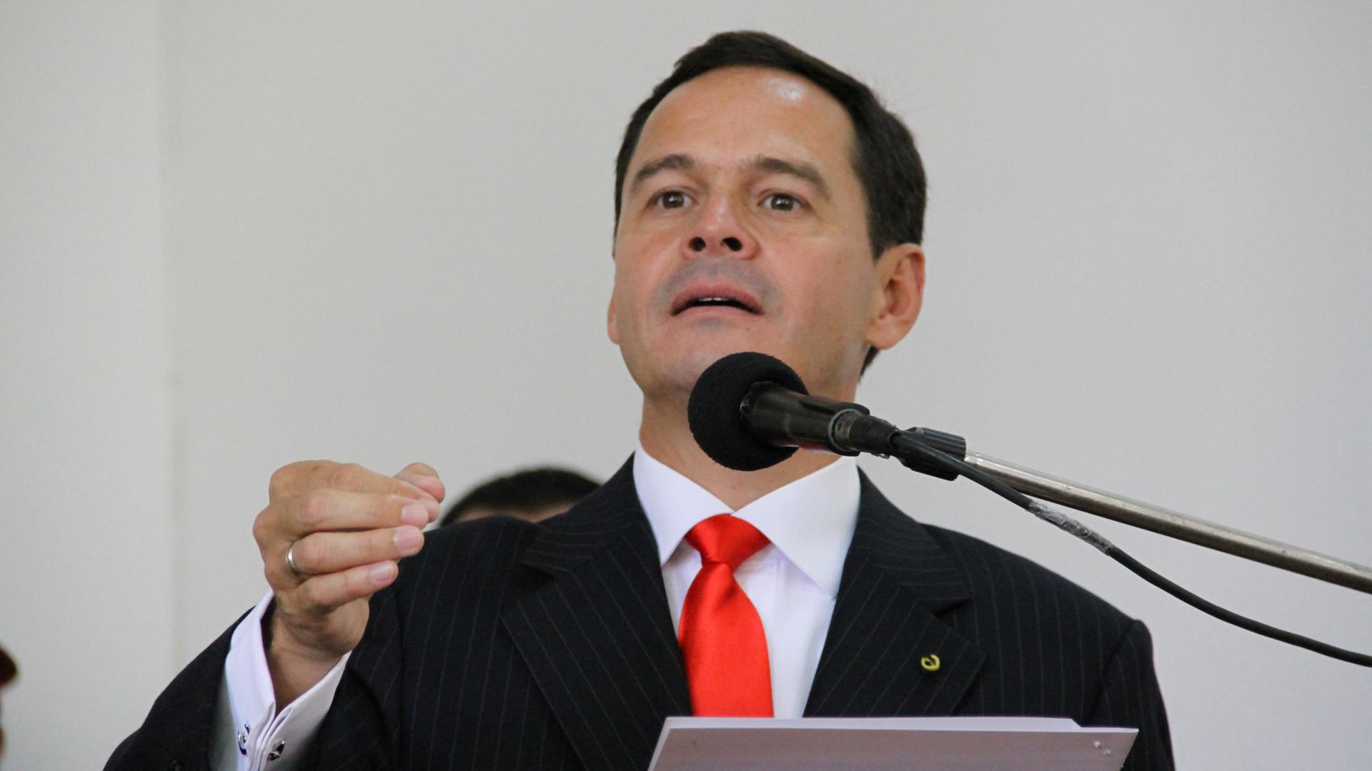 El gobernador del estado Táchira acusa a colombianos de haber asesinado al diputado suplente César Vera