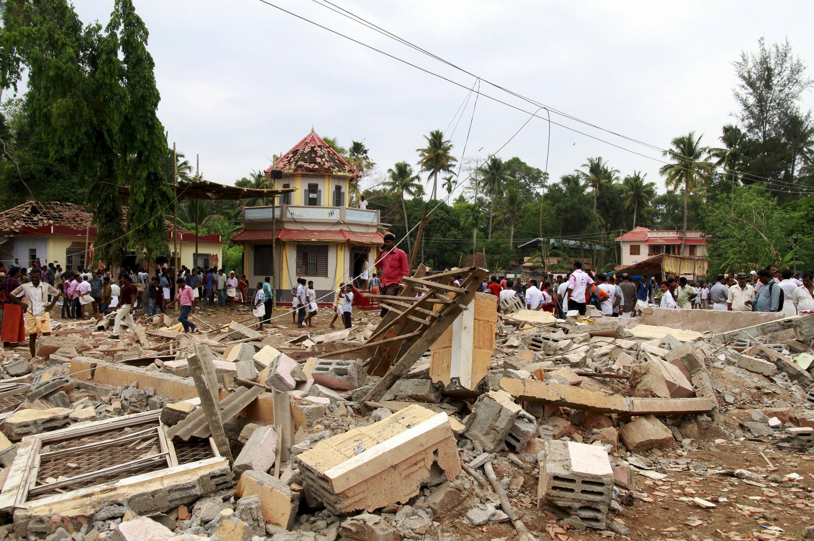 Los fuegos artificiales fueron la causa del incendio en el templo Puttingal donde se registraron más de 500 personas heridas