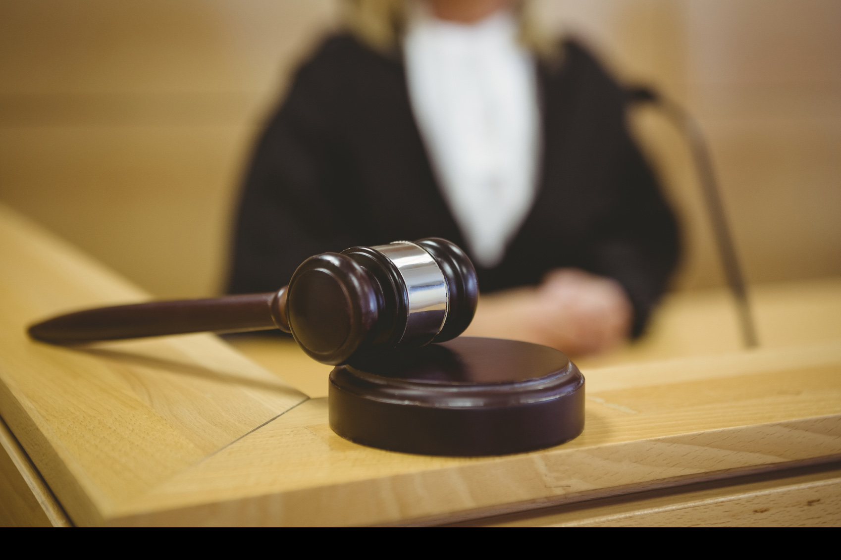 El doctor Aquiles Martínez fue presentado ante el tribunal por su supuesta vinculación con el desvío de nebulizadores pediátricos