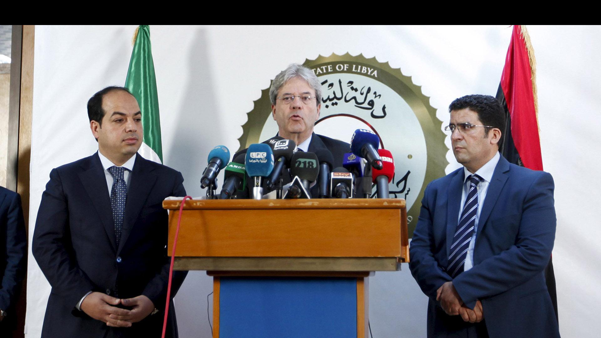 Ministro de Exteriores visitó Trípoli para respaldar al nuevo Gobierno de unidad y exhortarlo a encabezar lucha contra el EI