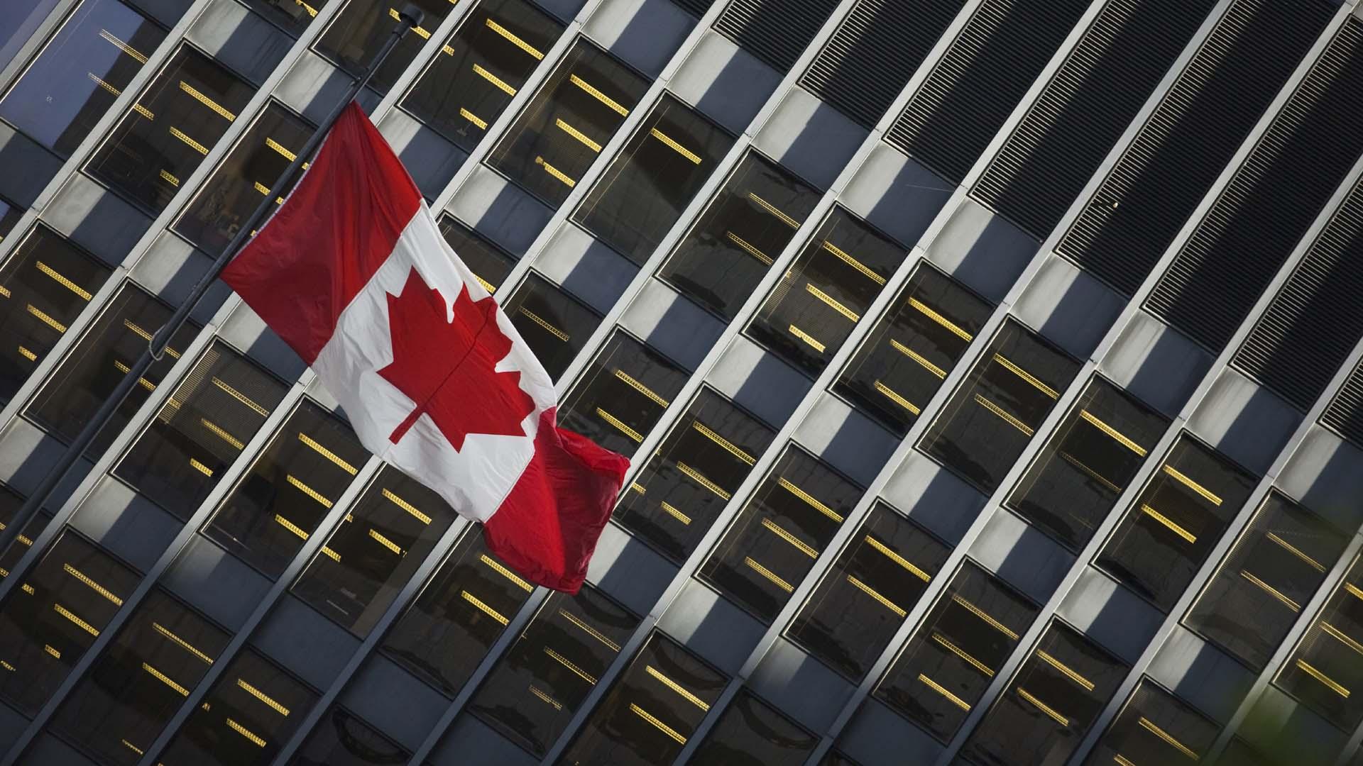 El proyecto de ley excluirá a quienes no sean canadienses