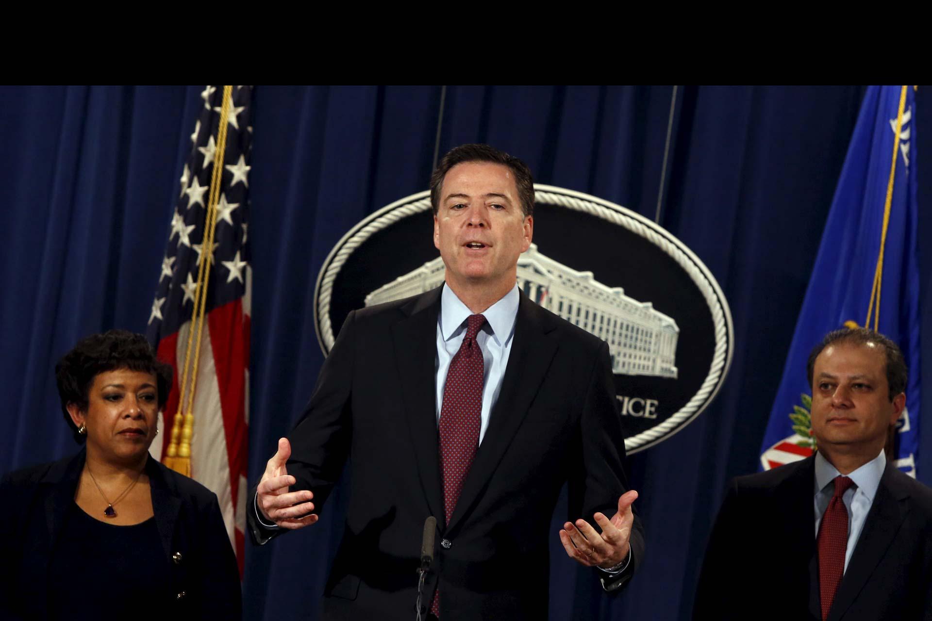 El director del FBI no reveló la cifra exacta, pero dijo que fue mayor a lo que él cobrará en todo lo que le queda en el cargo