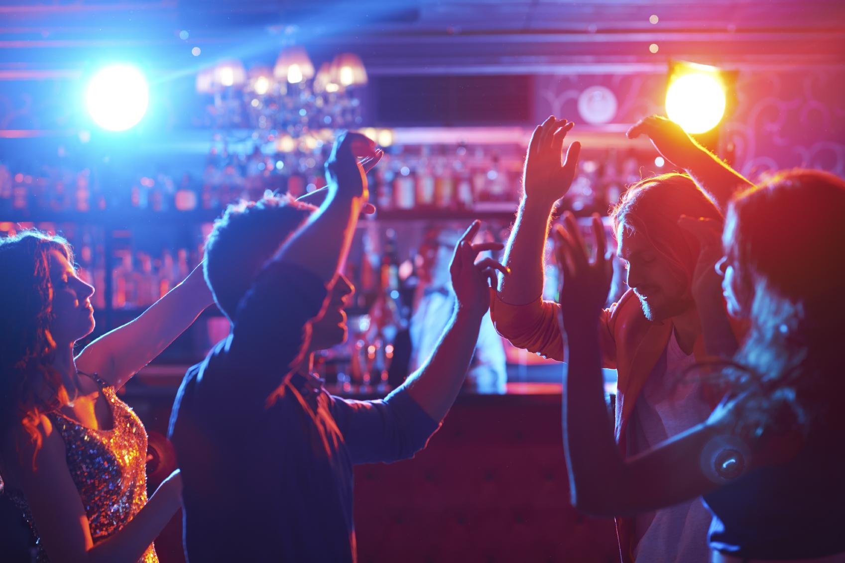 El fallo judicial fue adoptado luego de la muerte de cinco jóvenes en un evento durante una fiesta de música electrónica.