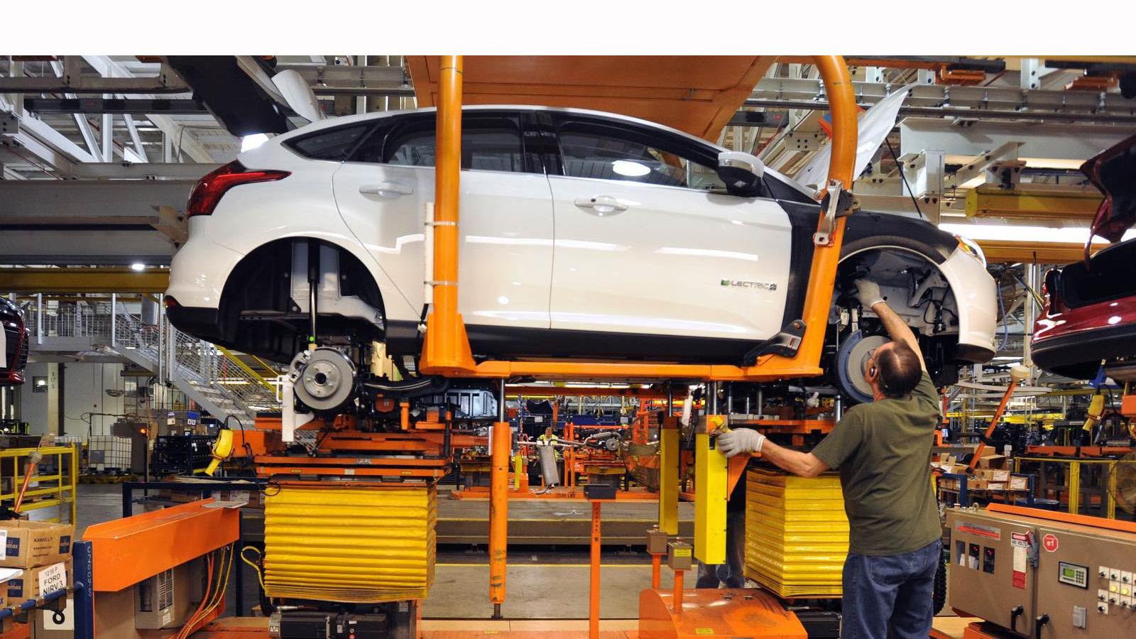 La empresa automotriz invertirá mil 600 millones para la construcción de una nueva planta manufacturera generando casi tres mil empleos