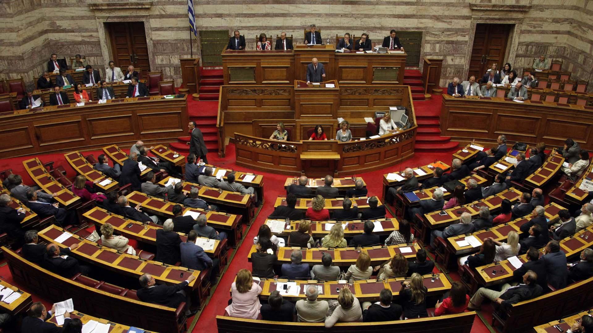 Grecia aprobó una ley que prevé la devolución de los migrantes que cruzaron ilegalmente la frontera luego del 20 de marzo