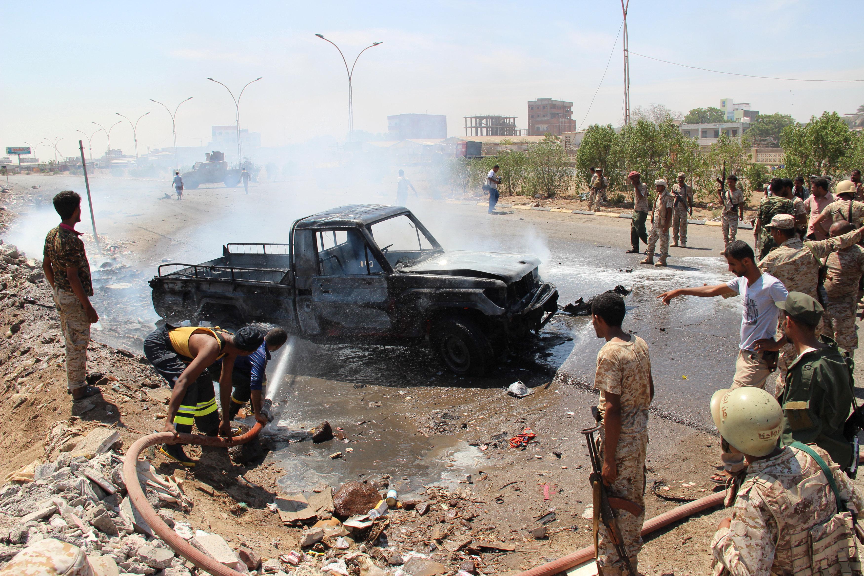 Un carro bomba explotó cerca de una instalación militar en la ciudad Mukalla de Yemen dejando 7 fallecidos y 10 heridos